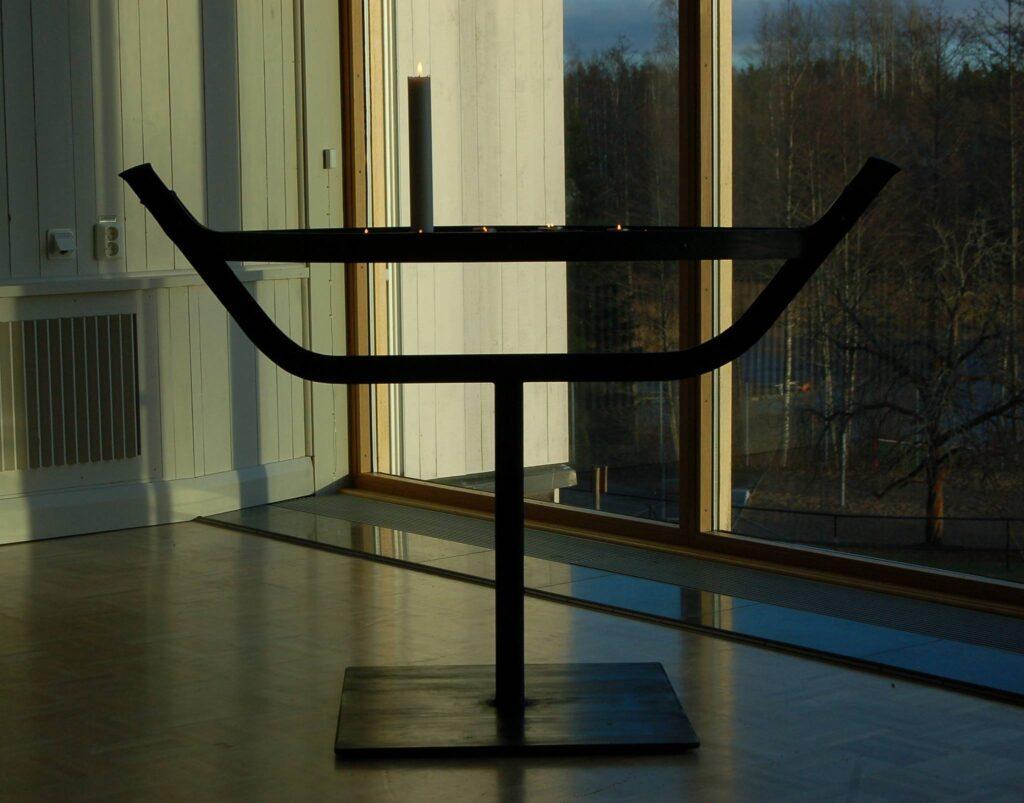 Ljusbärare i konstsmide Sollidens kursgård